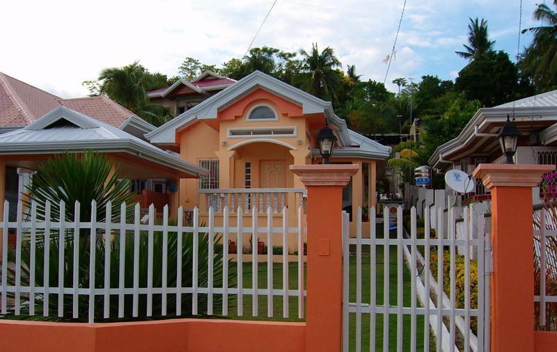 haus grundst ck kaufen immobilien cebu philippinen. Black Bedroom Furniture Sets. Home Design Ideas